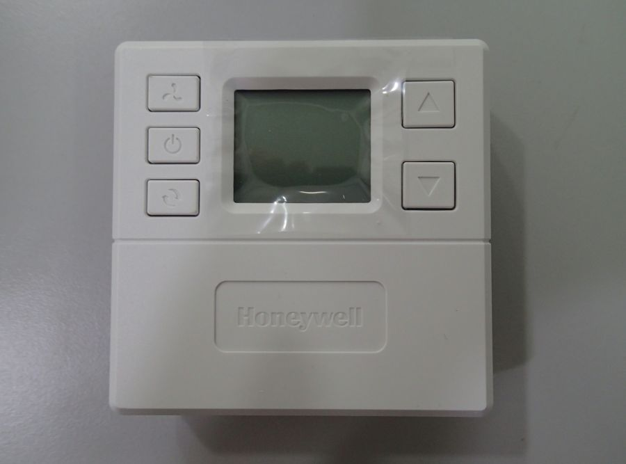 L002240 T6818DP08 * LCD ON/OFF THERMOSTAT (HONEYWELL) - discontinue FCFS